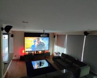 2.35 Geniş Ekran Ev Sineması İçin Uygun mu?